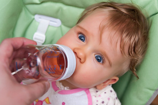 how to clean baby bottles before first use