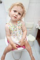 potty training girls, girl on potty
